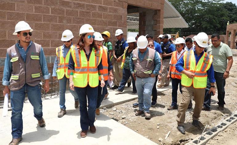 En 55% avanza construcción de Ciudad Mujer en San Pedro Sula