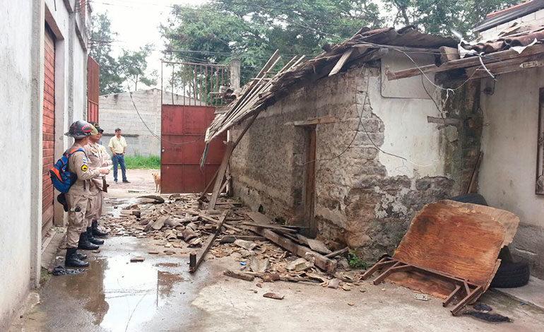 Lluvias y vientos provocan daños