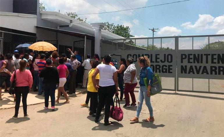 Liberan a 10 nicaragüenses detenidos por fuerzas progobierno