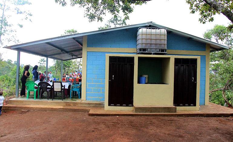 Infantes de preescolar de la comunidad de Santa Rosita 1 cuentan con nuevo kínder