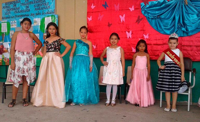 Alumnos de Escuela FM eligen a madrina infantil