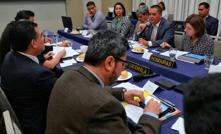 Honduras y Guatemala instalan mesa para el cuidado de Omoa