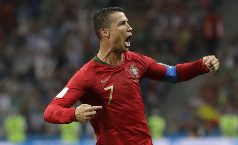 Cristiano Ronaldo, líder de los goleadores tras su tripleta ante España