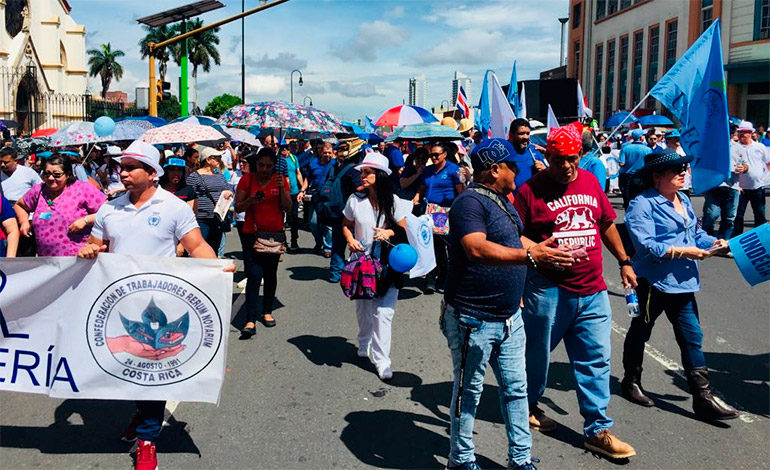Gobierno de Costa Rica solicita declarar ilegal huelga contra reforma fiscal