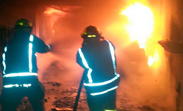 Ultiman a tres hombres y queman sus cuerpos dentro de vivienda en Amarateca