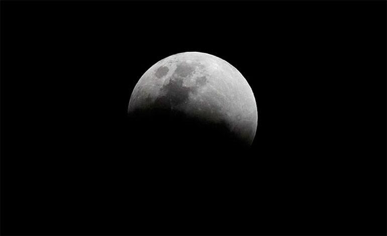 Científicos resolvieron uno de los grandes enigmas de la Luna