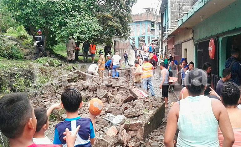 Lluvias provocan caída de un muro y varias casas inundadas en la Ribera de la Vega