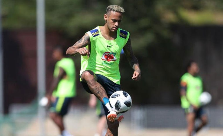 Neymar devuelve la calma a Brasil