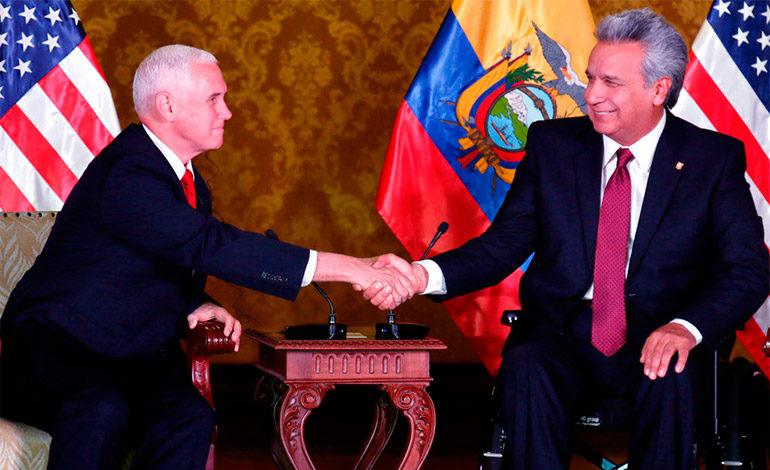 El presidente de Ecuador recibe al vicepresidente de Estados Unidos en Quito