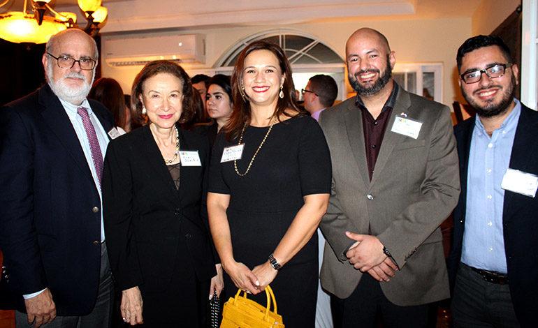 Robert Vinelli, Alice Goldstein, Karen Molina, Carlos Mejía, Nixon Pineda.