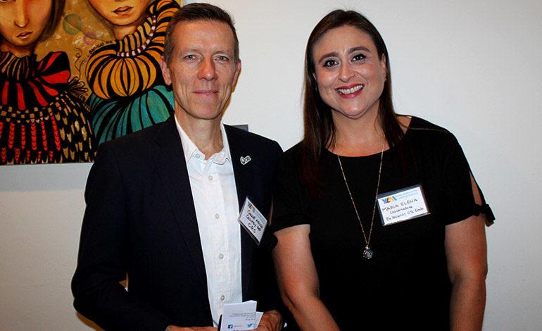 Connor Walsh y María Elena Gutiérrez.