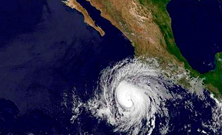 Se forma el huracán Bud frente a las costas mexicanas del Pacífico