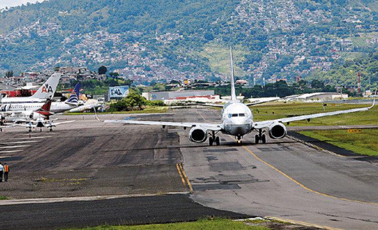 Se suspenden en Honduras todos los vuelos hacia Guatemala