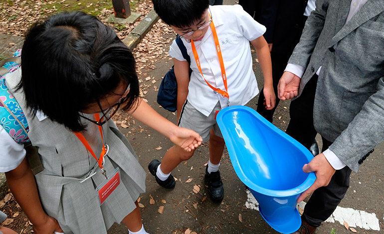 Una empresa japonesa espera salvar vidas con un retrete de plástico