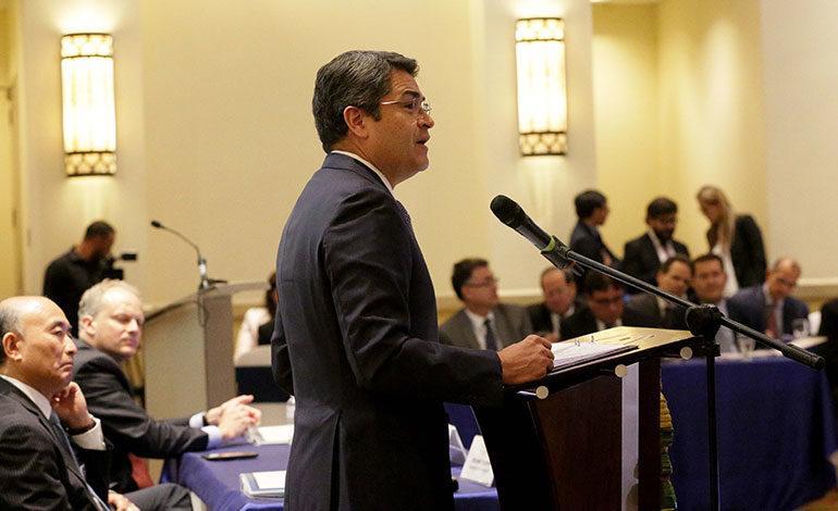 Presidente Hernández pide a CA acuerpar Unión Aduanera