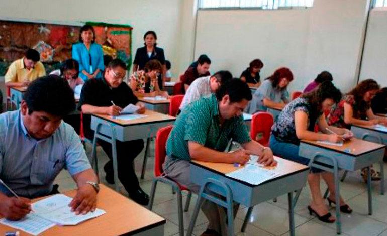 """Finanzas considera """"difícil"""" un ajuste salarial a maestros"""