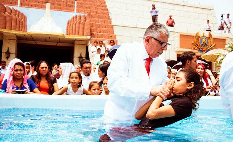 Rescate de valores y bautizos en tres ciudades de Honduras