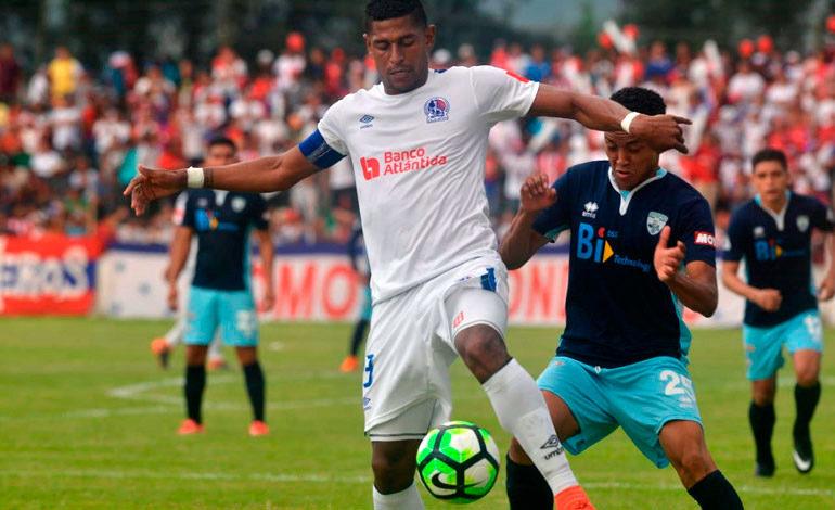 Con tres goles Olimpia bautizó a Real de Minas