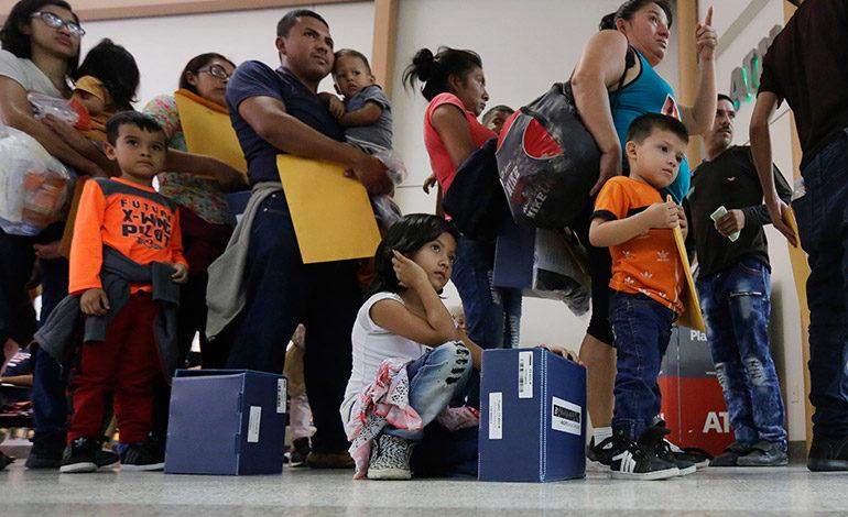 Juez ordena entregar lista de niños separados