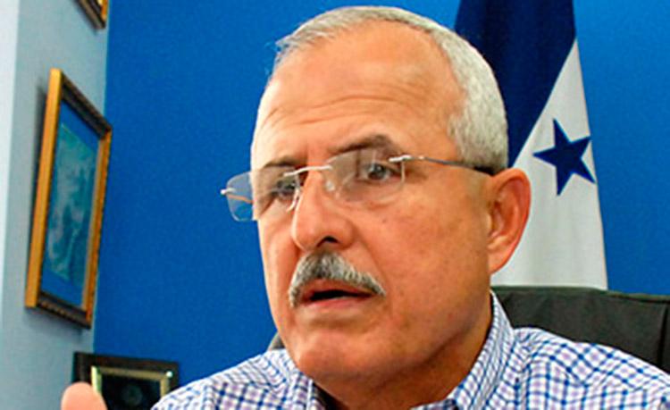 Alcaldía califica de necesario aumento a tasa municipal en matrícula de vehículos