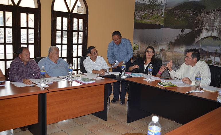 Constructora emplaza alcaldía de Danlí a solucionar falta de ocupación de locales comerciales