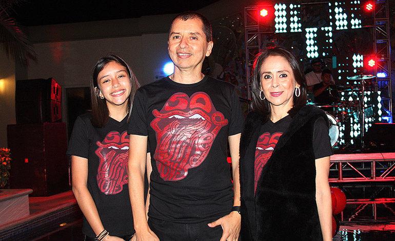 Carlos Galeano festeja sus 50 años con familiares y amigos