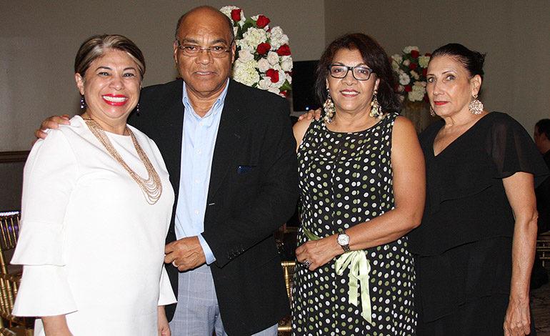 Celina Castillo festeja su cumpleaños con familiares y amigos