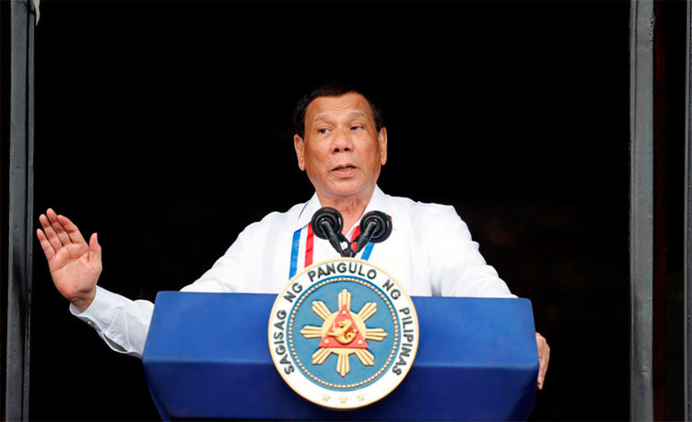 """Duterte: """"Mi lucha contra las drogas me ha enemistado incluso con Dios"""""""