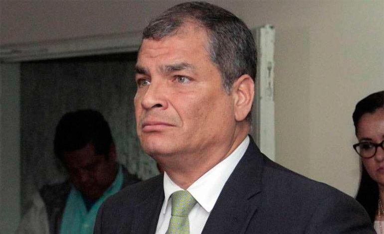 Correa, llamado por la justicia de Ecuador, acudió a consulado en Bruselas