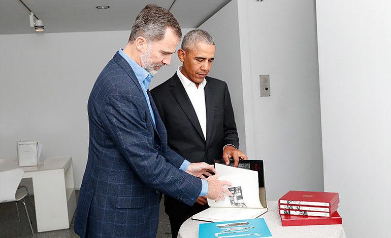 """El rey de España y Obama visitan en privado """"El Guernica"""" de Picasso"""