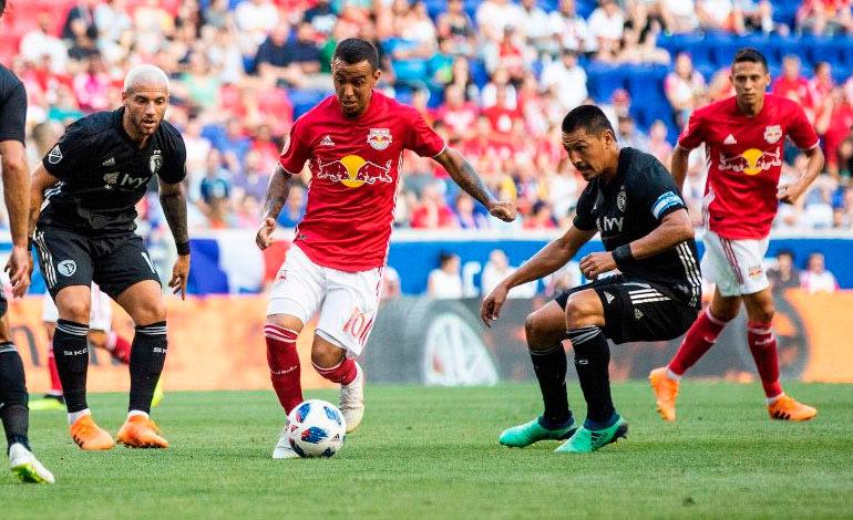 Roger Espinoza anota golazo en la MLS