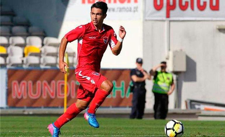 Huesca golea en debut de Hondureño Jonathan Rubio