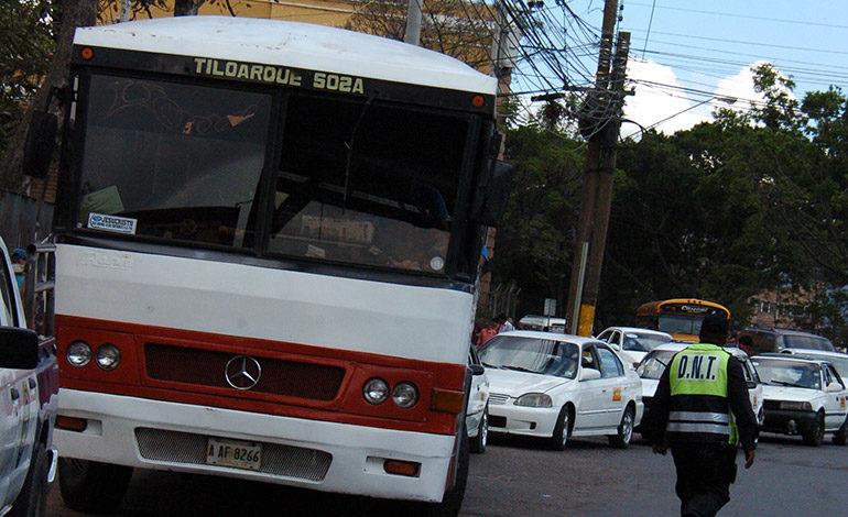 Ebal Díaz asegura que no habrá aumentos en las tarifas de transporte