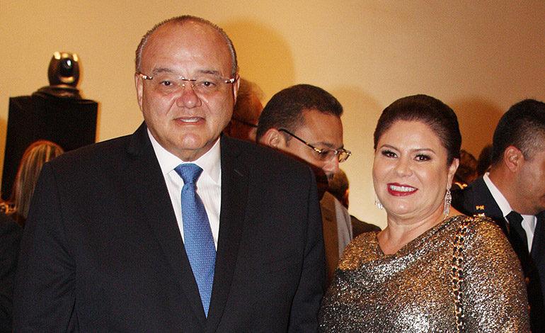 Roberto Ordóñez y Gina Mendieta de Ordóñez.