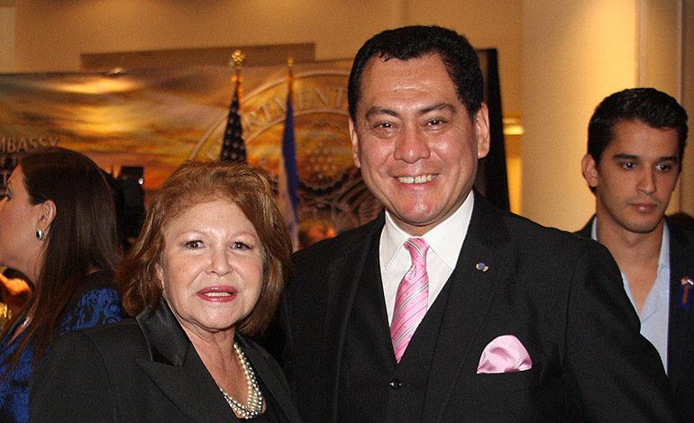 Clarissa Coello y Guillermo Gonzales.