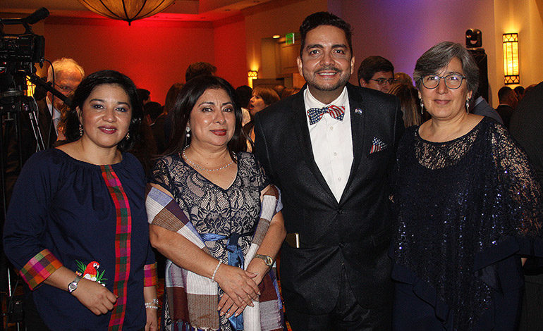 Ledy Pacheco, Esther Amaya, Enrique Oyuela, Gabriela Gálvez.