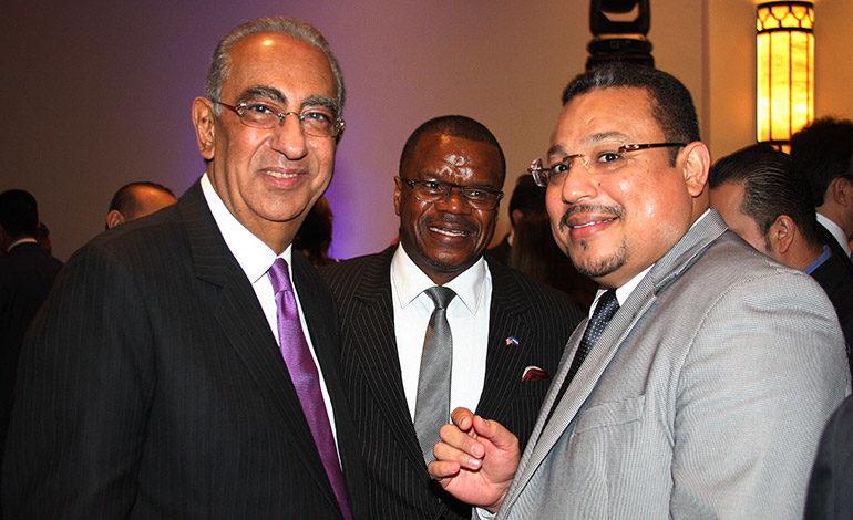 Carlos Flores, René García, Omar Rivera.