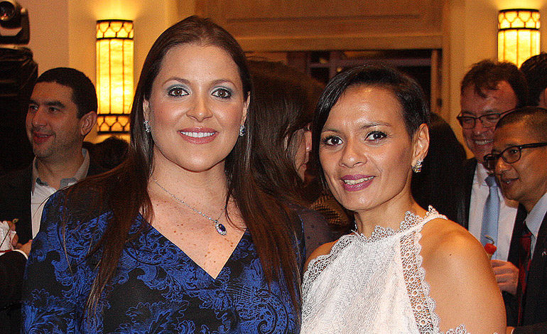 Mónica Facussé y Mónica Wong.