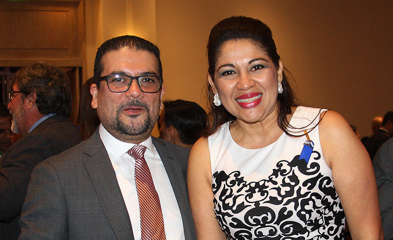 Francisco Contreras y Karla Ávila.