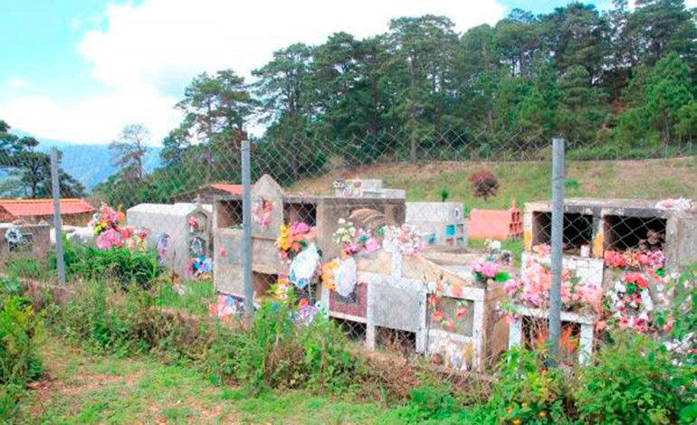 Se toman cementerio para evitar la minería