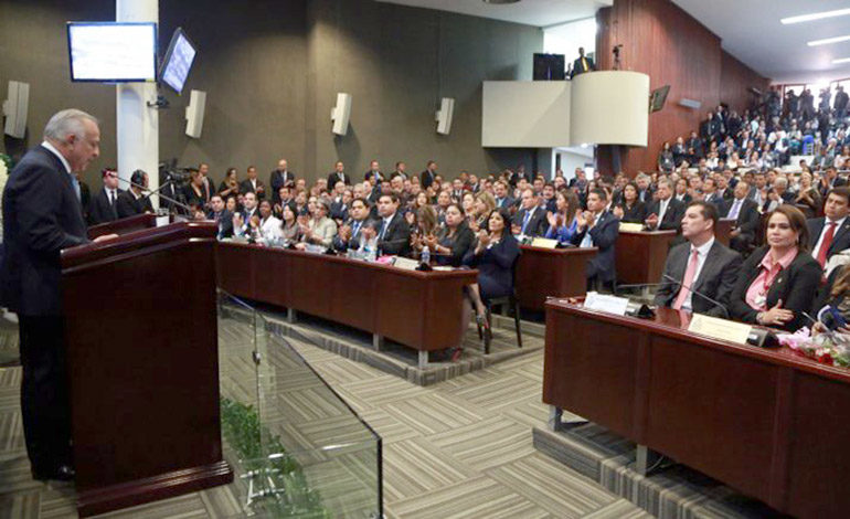 CN aprueba decreto para que Ihcafé contrate 1,900 millones de lempiras