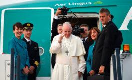 El papa abandona Irlanda con una petición de perdón a las víctimas de abusos