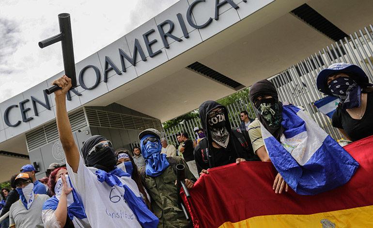 Universitarios protestan por falta de financiamiento en Nicaragua