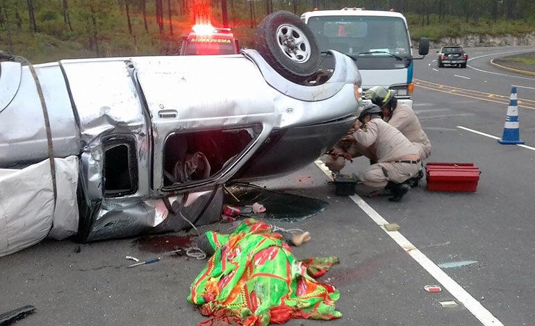 Un muerto y cuatro heridos deja accidente vial en Zambrano