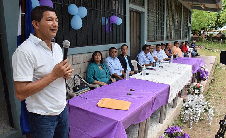 """GRACIAS. Gelsin Bonilla (TEN-Canal 10): """"Muchísimas gracias a Taiwán por apoyar a Honduras y su sistema educativo y ustedes son muestra del proceso educativo""""."""