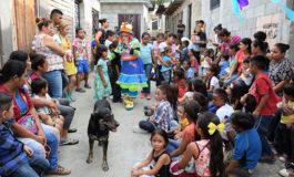 Celebran Día del Niño en el mercado Perisur