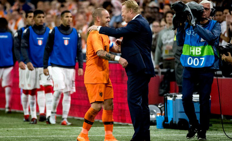Holanda doblegó a Perú en despedida de Sneijder