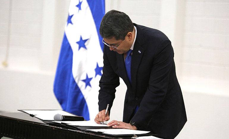 Juan Orlando Hernández: Apoyo de la banca para fortalecer a caficultores