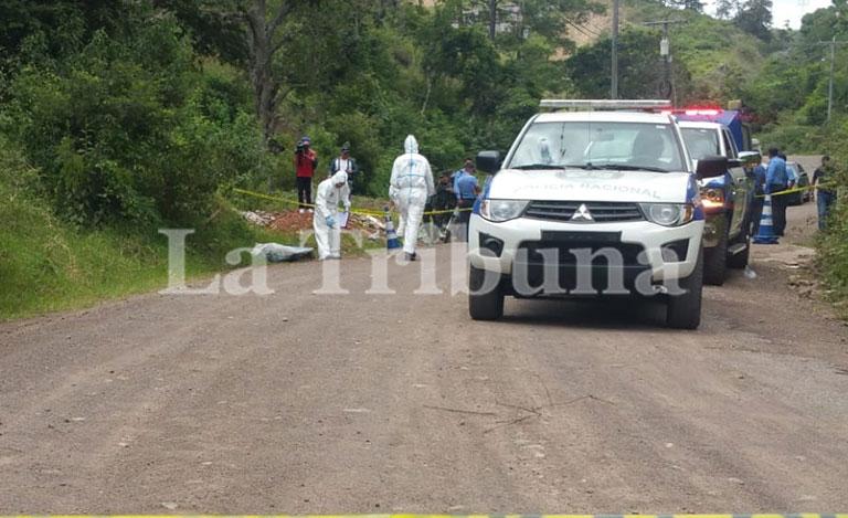 Hallan dos cadáveres en la carretera hacia Olancho
