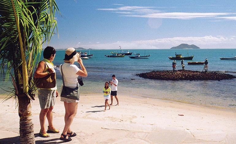 Turismo espera que 2.5 millones de hondureños se movilicen en feriado